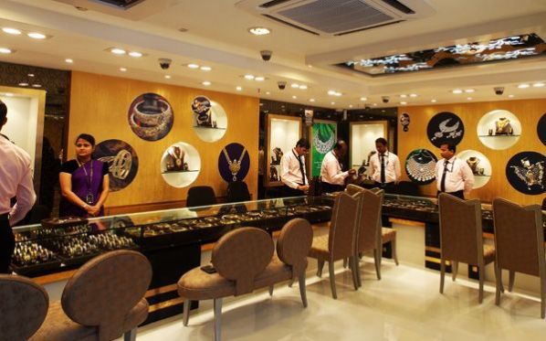 PC Jeweller unveils First showroom in Kolkata