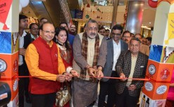 KVIC Launches 1st 'Khadi Korner' with Globus at GIP Mall, Noida