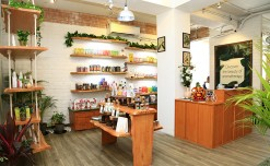 Blossom Kochar Aroma Magic opens 1st Green Salon in Bengaluru