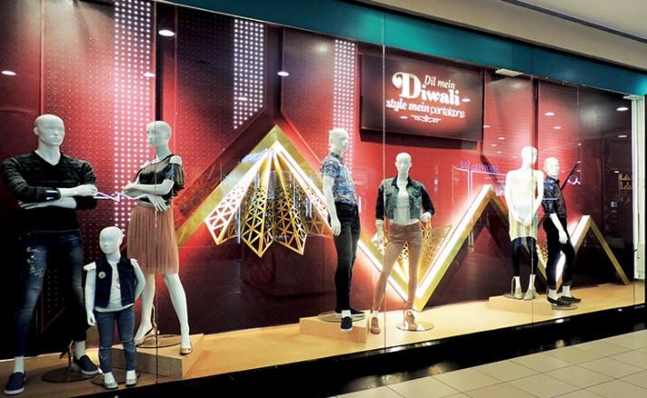 window display retail festive pantaloons vm projects