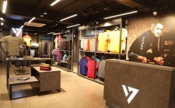 CSK Champions inaugurate the largest store of MS Dhoni's Seven