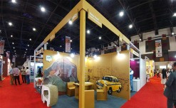 Unidos' corrugated booth for Vasco Travel