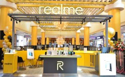 Realme plans to launch 50 franchise stores in India