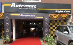 Mahindra First Choice Wheels opens the biggest 'Automart' store in Hyderabad