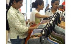 After'khadi denim', weavers in talks with Arvind for'poly vastra'