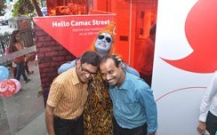 Vodafone surprises  customers visiting its stores this Durga Puja