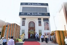 PC Jeweller opens Four  showrooms on the same day