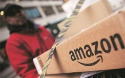 Amazon claims top spot in battle of online fashion portal