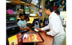 Fast-food chains chase growth in slowdown