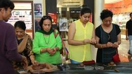 Viviana Mall engages shoppers to create eco-friendly Ganesha idols