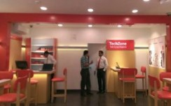Vodafone unveils its 50th store in Delhi-NCR
