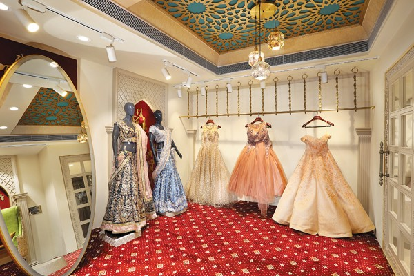 Saloni Design That Embodies Sophistication And Charm