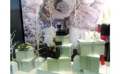 Guess - White Forest Holiday