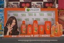Garnier's vibrant splash at retail