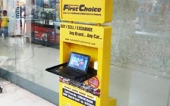 Mahindra First Choice's eye catchy display attracts shoppers